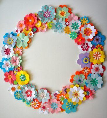 guirnalda de flores de papel circular