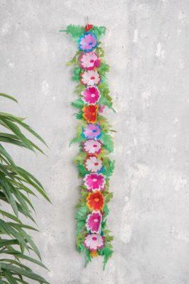 guirnalda de flores de papel de seda