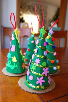 Arboles de Navidad con goma eva