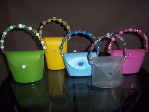Bolsitos con envases de jabón reciclados