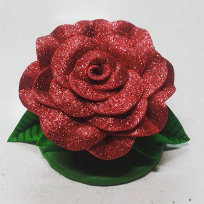 Rosa de gomaeva con purpurina