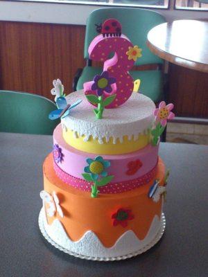 Tarta de cumpleaños con gomaeva de Imagui.com