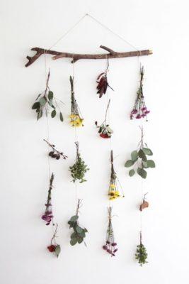 Adorno con flores naturales para regalar.