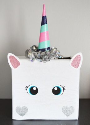 Decoración de unicornios con caja reciclada.