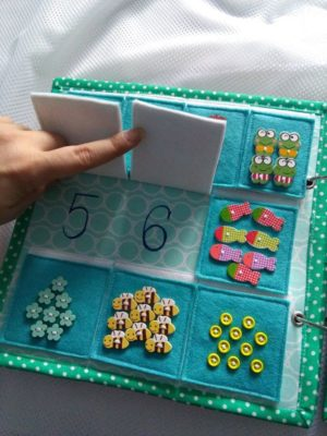Libros Montessori DIY para niños.