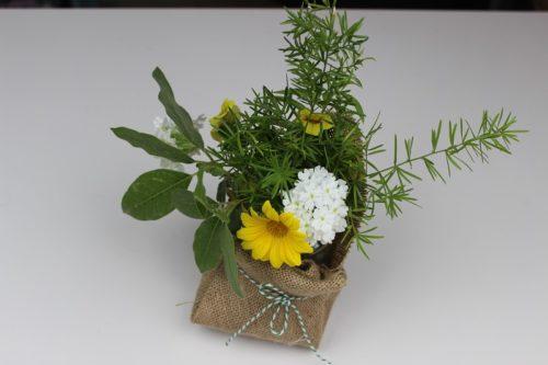 centro de mesa con flores naturales