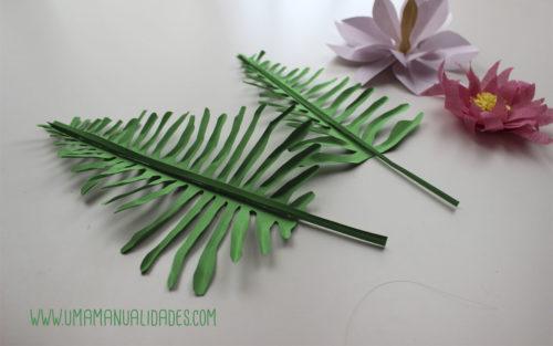 hojas y flores tropicales de papel