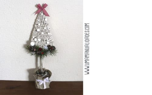 mini arbol navideño con cuerda